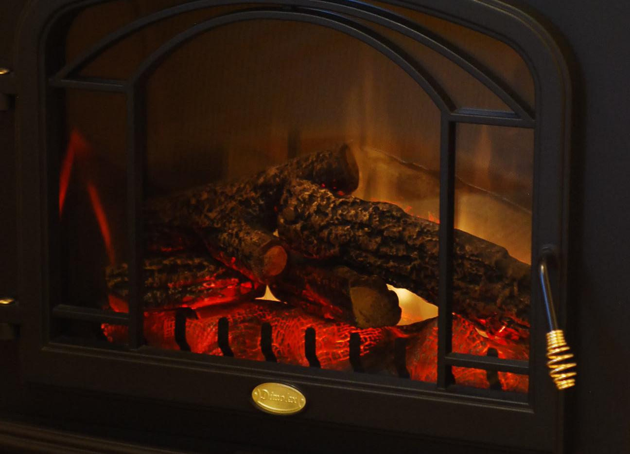 オーベルジュ テラ 暖炉