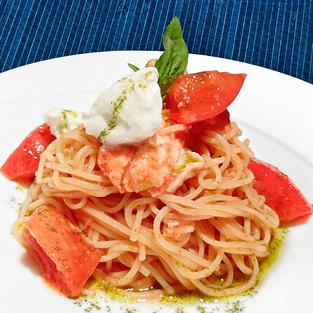 飛騨高山モッツァレラの冷製トマトソースパスタ
