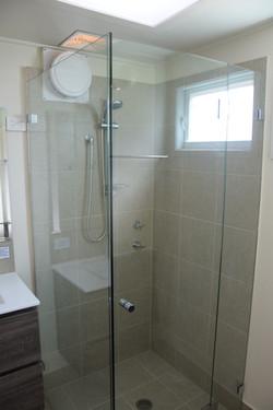 Cabin 1's fully renovated bathroom