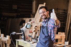 portrait-of-smiling-construction-worker-