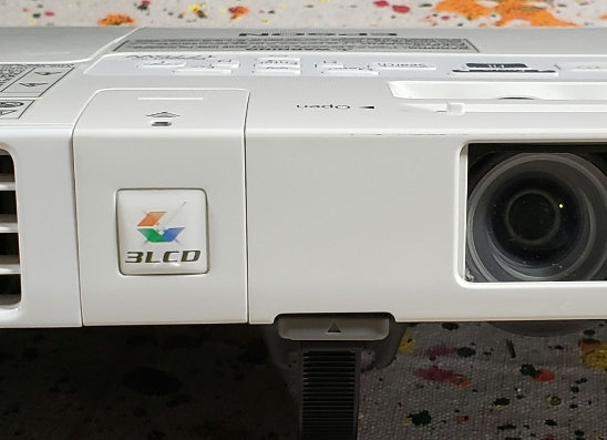 Projector, Epson H363A 1775W Powerlite