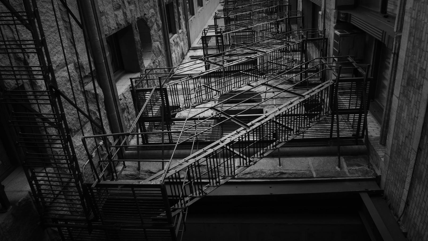 chicado-escada-de-incendio.jpg