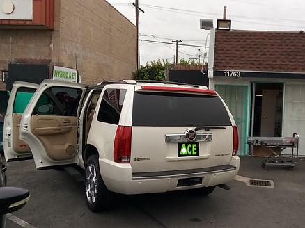 Cadillac Escalade White 3.jpg