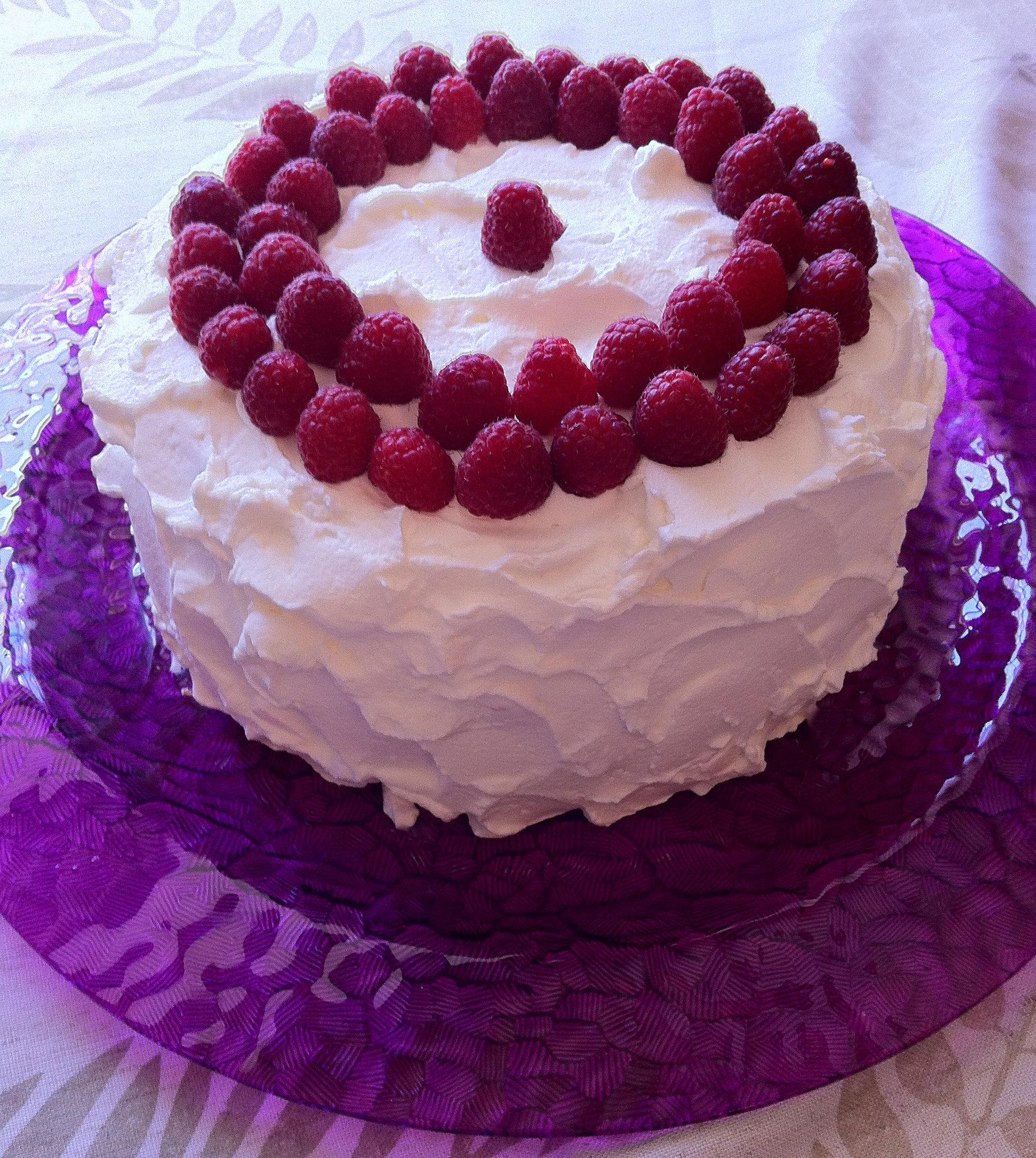 Lemon Cake With Whipped Cream Filling