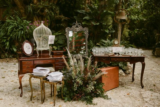 Vintage wedding rentals Miami