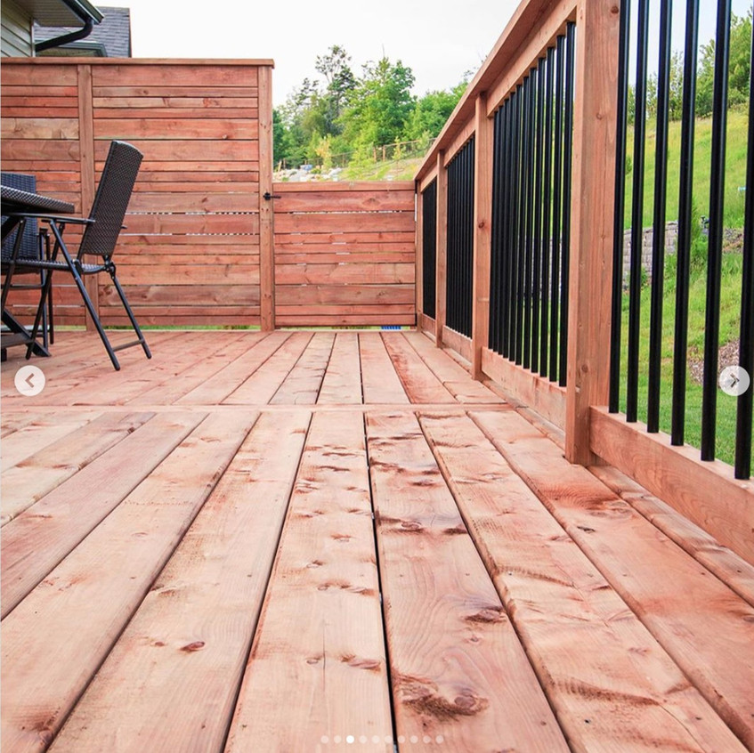 Photos of different angles and details of a deck