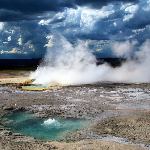 21 Photos to Inspire You to Visit Yellowstone