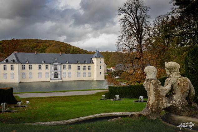 Château d'Annevoie vu des jardins