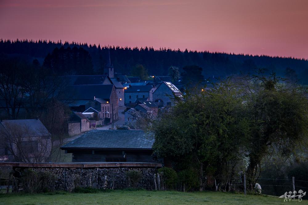 Chardeneux, condros, village de chardeneux, wallophoto, lever du soleil sur chardeneux