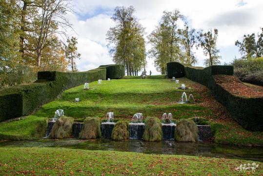 Le buffet d'eau, Les jardins d'Annevoie