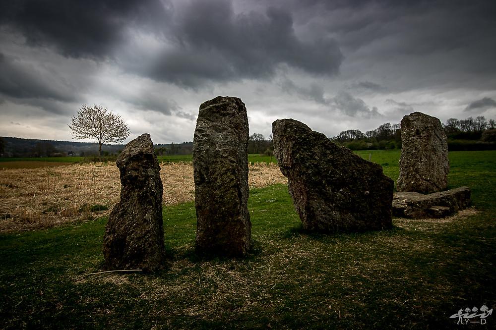 Menhirs, dolmen sud Oppagne, dolmen oppagne, menhir wéris, wallophoto, photographie de paysage