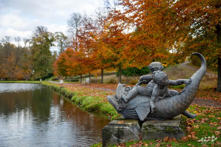 Vue des bassins des jardins d'Annevoie