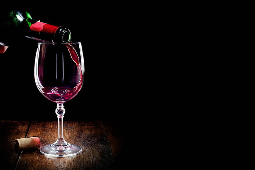 wine-red-glass-bottle-wallpaper-preview.