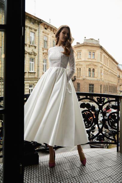 Wedding dress 2032.jpg