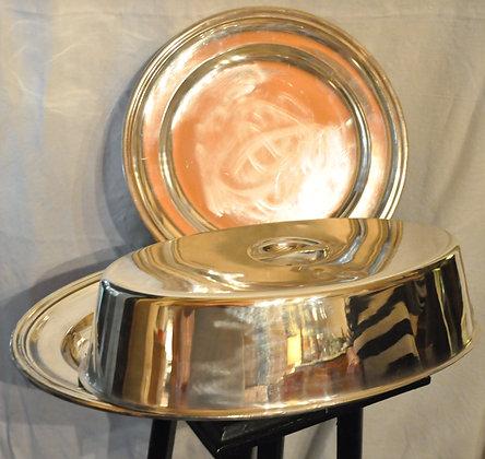Ensemble de plats en métal argenté