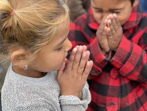THE PRAYING CHILDREN OF BULGARIA
