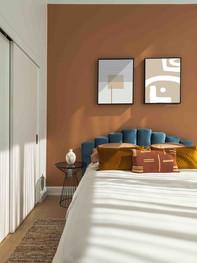 minimalism_orangewall2framebedrm_2k_briefzen.jpg
