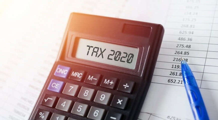 _2020_03_word-tax-2020-on-calculator-bus