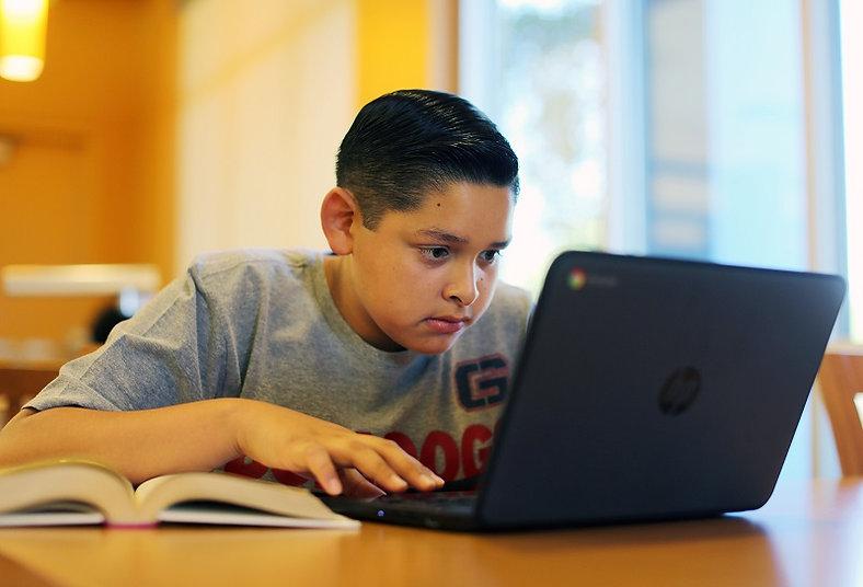 Cal-State-LA-ofrecerá-clases-STEM-a-estu