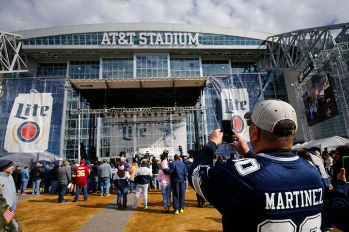 NOT_CowboysFacemask-1-217.jpg