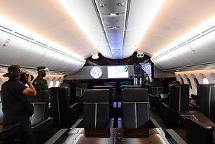 este-avion-de-doble-pasillo___CpXrL6ogX_