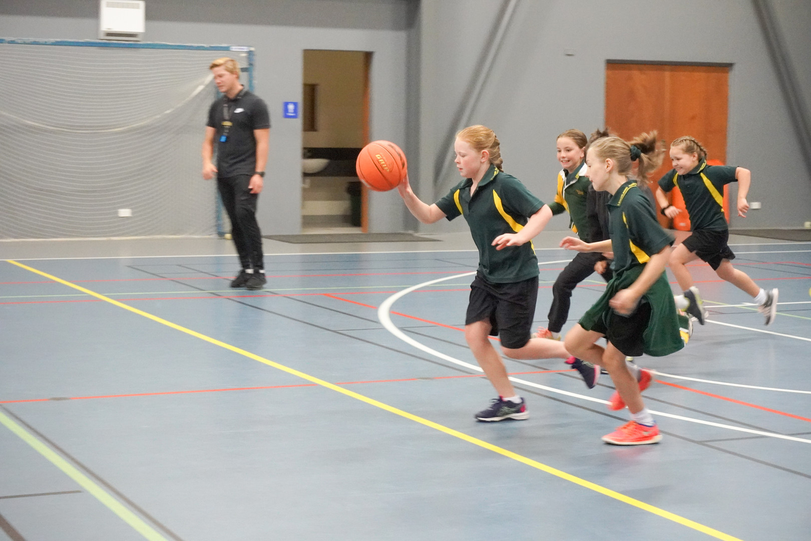 Basketball Year 3 and 4 (2).JPG