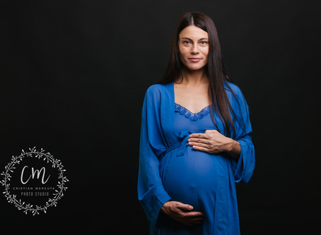 Maternity session in studio