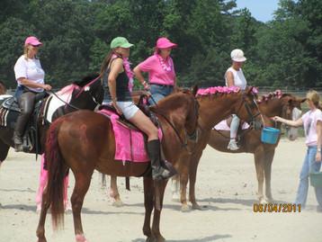Kentucky Farms - Pink picnic 027.JPG