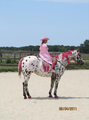 Kentucky Farms - Pink picnic 024.JPG