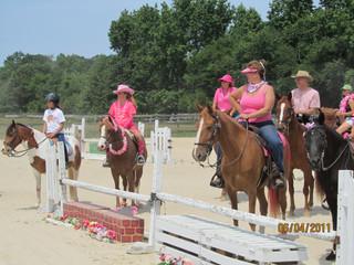 Kentucky Farms - Pink picnic 037.JPG