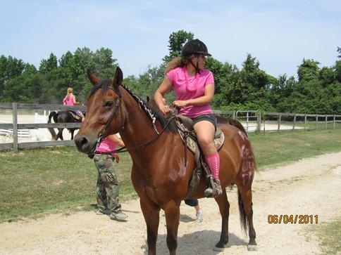Kentucky Farms - Pink picnic 012.JPG