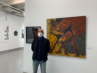 Ricardo Mas junto a su obra.JPG