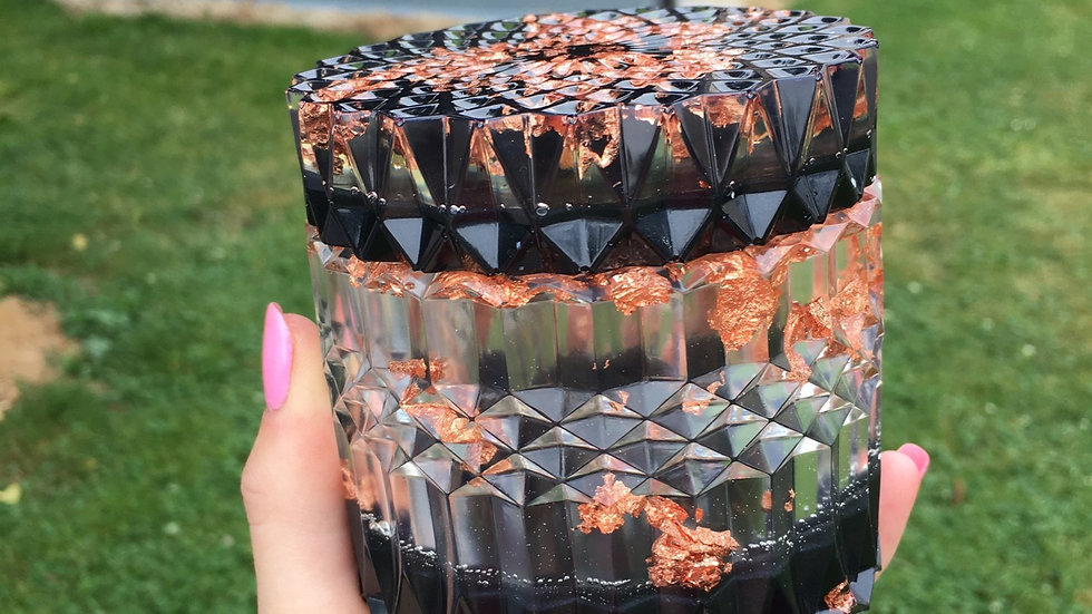 Grande boîte cuivrée noire