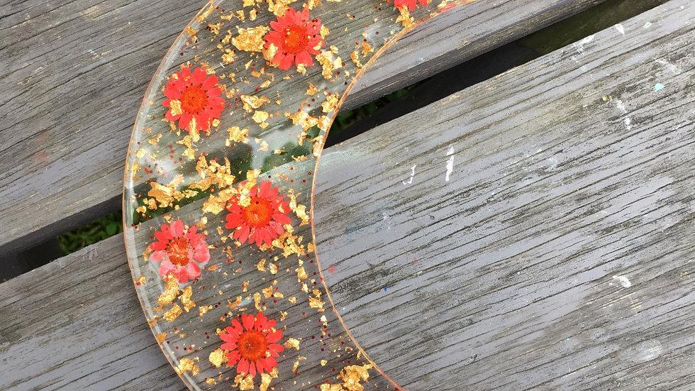 Lune dorée fleurs rouges