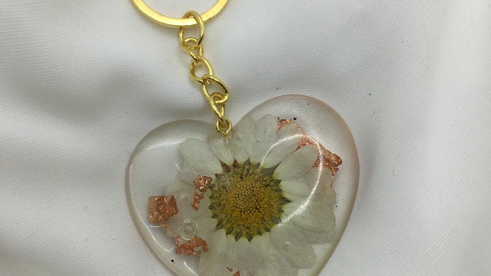 Cœur fleurs blanches