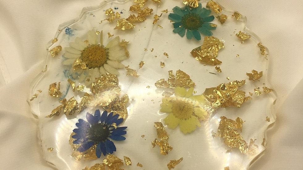 Dessous de verre fleurs dorées