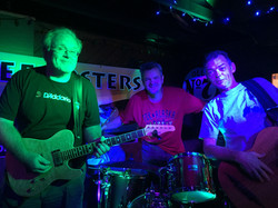 The Defrosters at Flying Harpoon