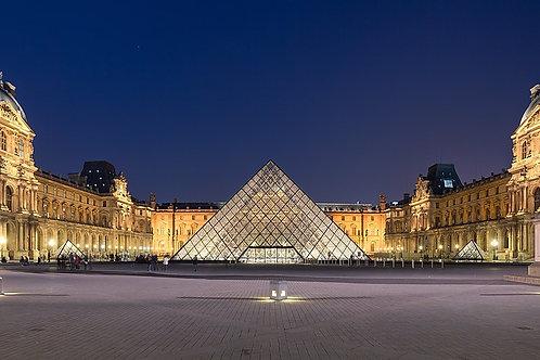 Le Louvre, de la forteresse au musée : histoire et secrets