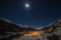 Lanslevillard by night in winter
