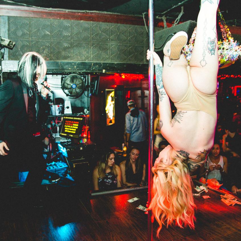 Stripperoake Contest-5