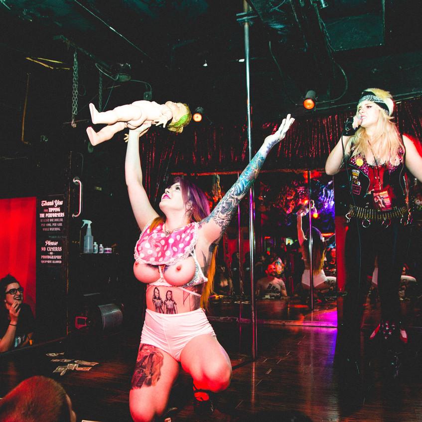 Stripperoake Contest-1
