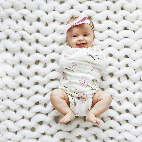 2nd Step Legs In/Out Transitional Swaddle by embe
