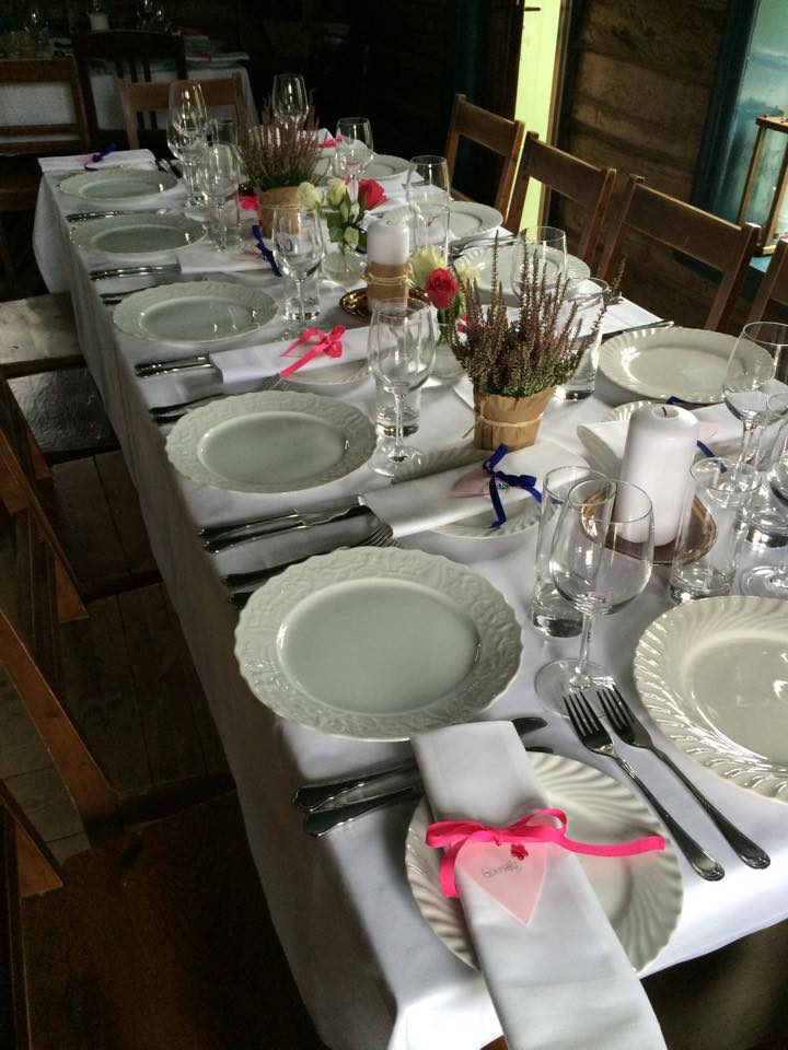 "Dekket bord i ""Stuggo"""