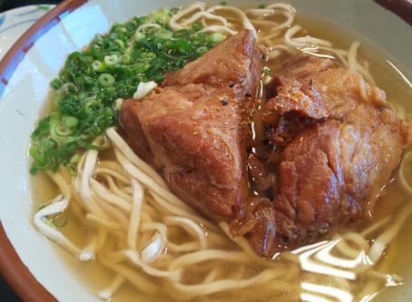 識名そば。限定7食!!特大三枚肉そば(食べれなかったけど。)行ってきました。沖縄県那覇市
