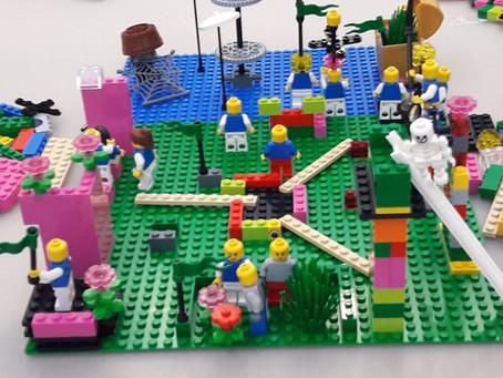 Legot mallintamassa työyhteisöä