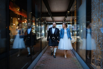 Wedding photo in Gastown, Vancouver British Columbia