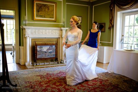 Bride getting ready - Hycroft Manor Wedding in Vancouver, British Columbia