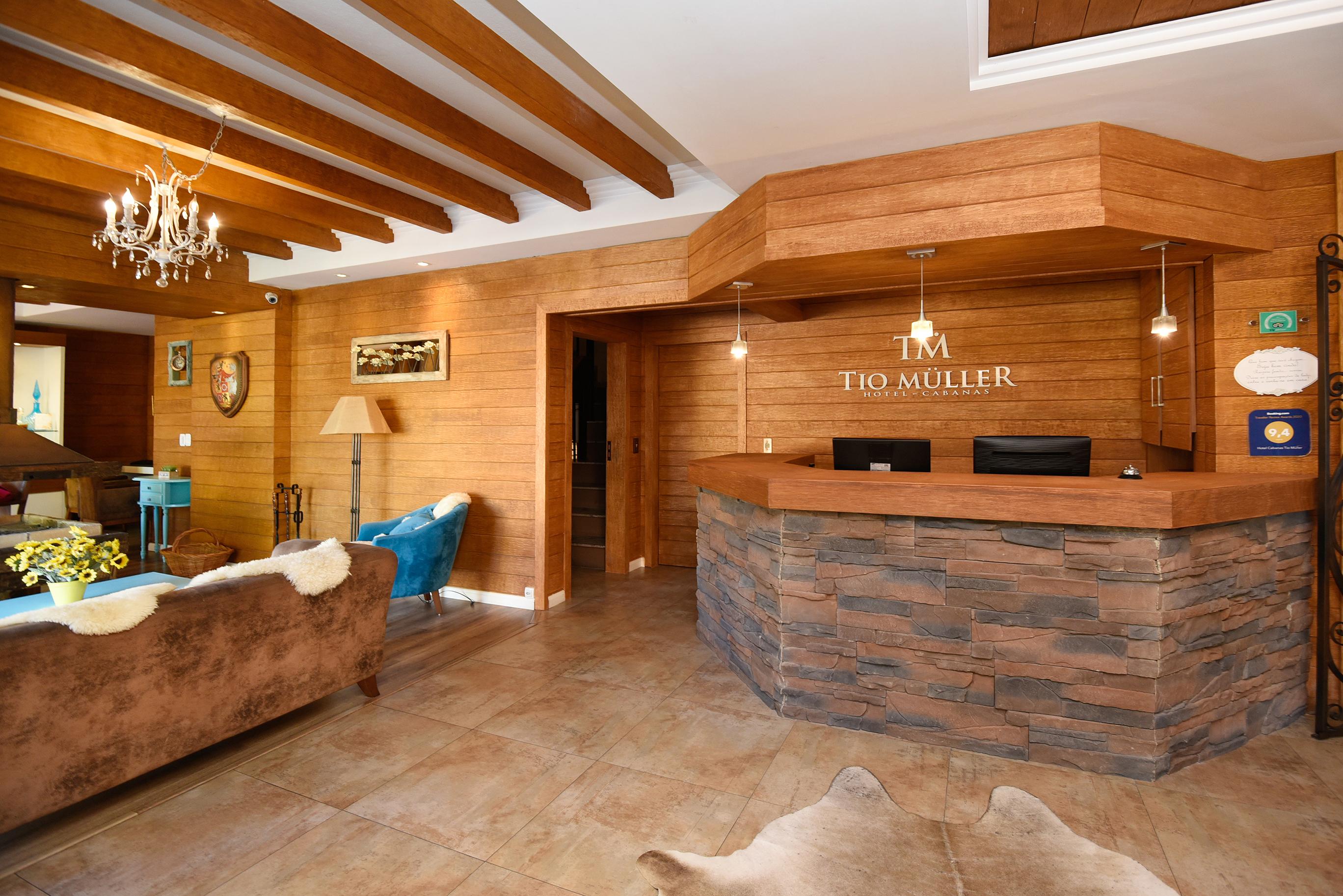 Recepção Hotel Cabanas Tio Muller em Gramado