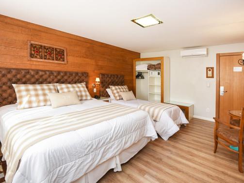 Apto Luxo Triplo - Hotel Cabanas Tio Muller - Gramado RS (4).jpg