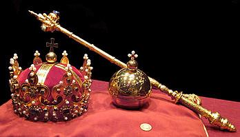 """""""Que sus sienes adorne una gloriosa corona...."""""""